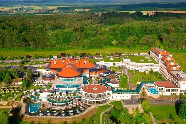 Luftansicht des Areals der Avita Therme Bad Tatzmannsdorf