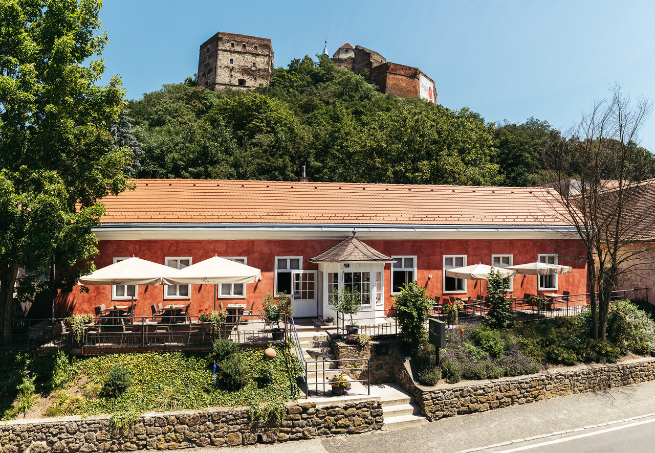 Rina's Restaurant
